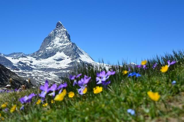 povinná výbava ve švýcarsku