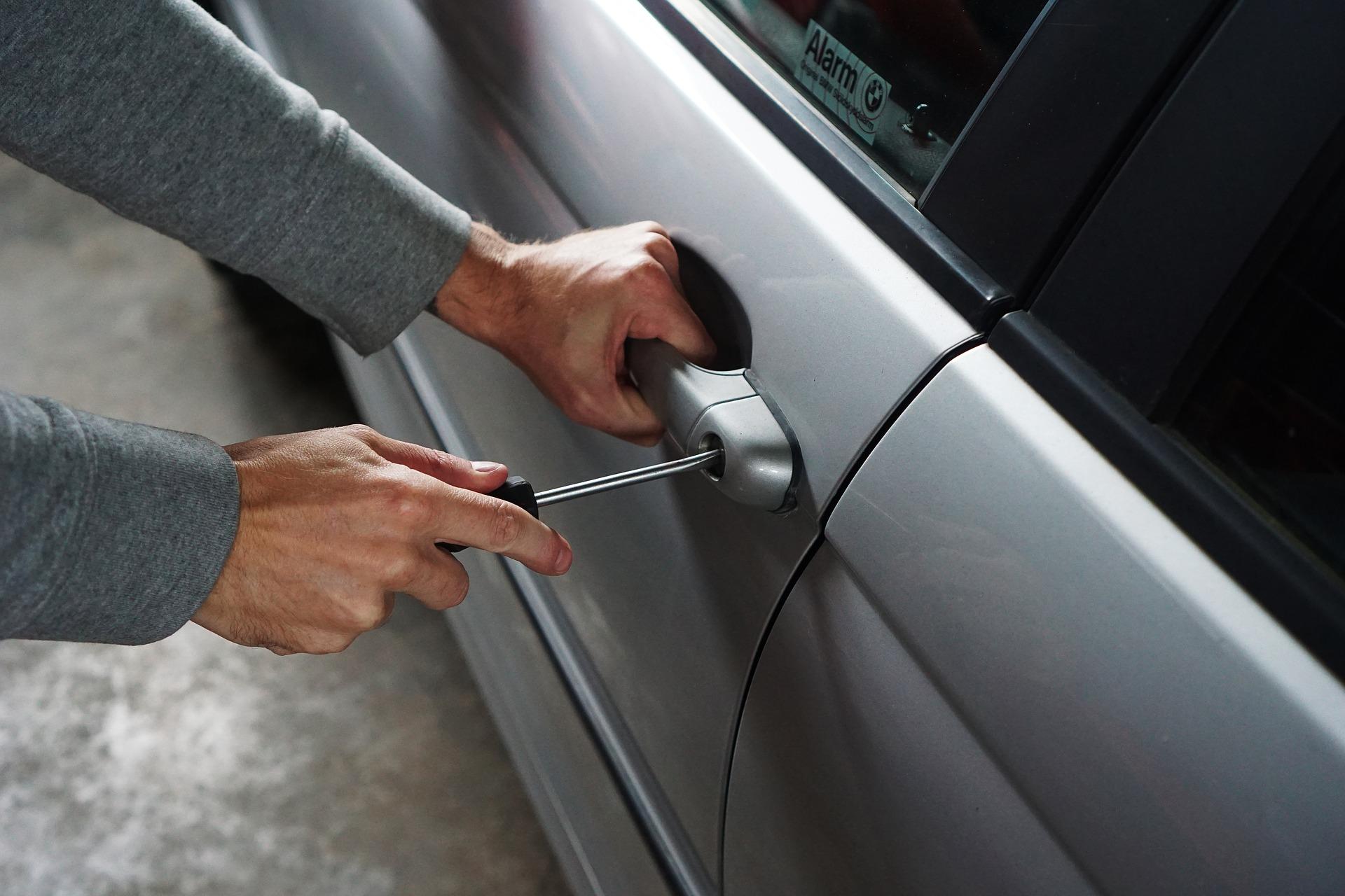pojištění auta proti krádeži